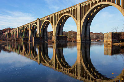 Wall Art - Photograph - Reflections On The James River by Cliff Middlebrook