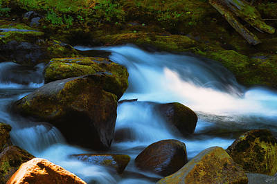 Photograph - Refreshing Flow by Dee Browning