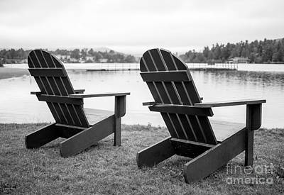 Kunst Photograph - Relaxing At The Lake  by Edward Fielding