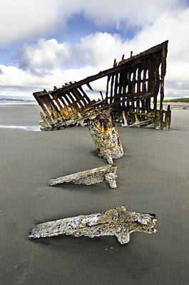 Peter Iredale Photograph - Remains Of The Shipwreck Peter Iredale by Melody Watson