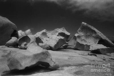 Photograph - Remarkable Rocks 1 by Linda Lees