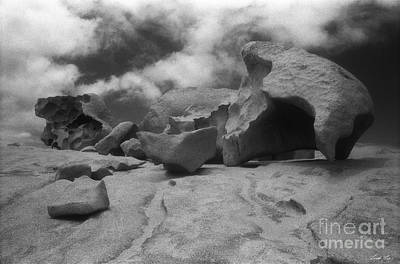 Photograph - Remarkable Rocks 2 by Linda Lees
