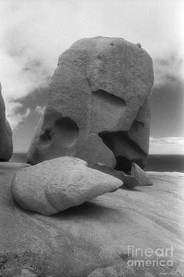 Photograph - Remarkable Rocks 3 by Linda Lees