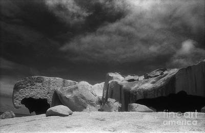 Photograph - Remarkable Rocks 5 by Linda Lees