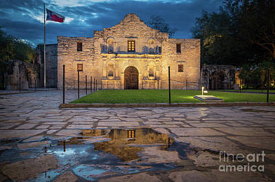 Photograph - Remember The Alamo by Inge Johnsson