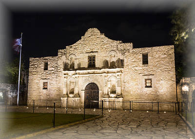 San Antonio Wall Art - Photograph - Remembering The Alamo by Stephen Stookey