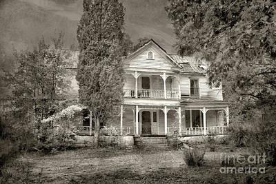 Old House Photograph - Reminiscent by Sari Sauls