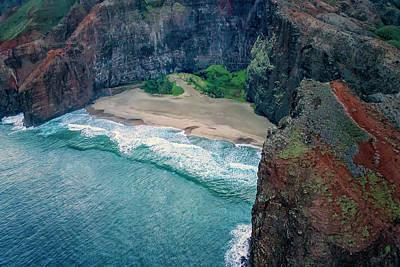 Photograph - Remote Beach Na Pali Coast Kauai Hawaii 7r2_dsc4163_01092018  by Greg Kluempers