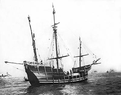 New York Harbor Photograph - Replica Of Columbus's Nina by Underwood Archives