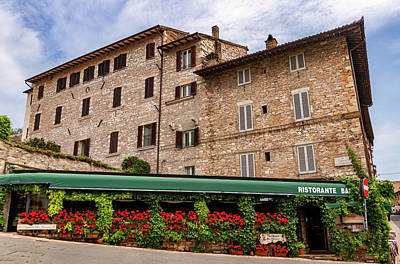 Photograph - Restaurant In Assisi by Carolyn Derstine