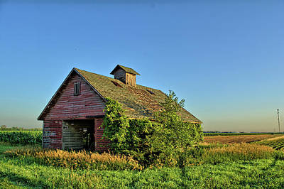 Photograph - Retired Corn Crib by Bonfire Photography