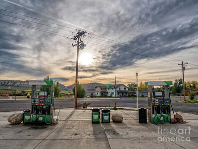 Cannonville Photograph - Retro Gas Station In Cannonville Near Bryce, Utah by Frank Bach