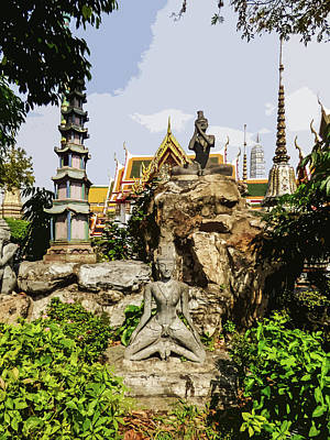 Digital Art - Reusi Dat Ton Statues At Wat Pho by Helissa Grundemann