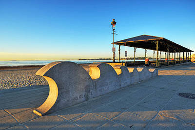 Photograph - Revere Beach Waves Statue At Sunrise by Toby McGuire