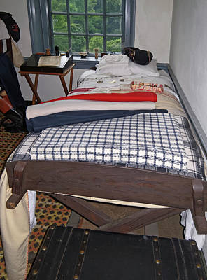 Photograph - Revolutionary War Bedroom by Sally Weigand