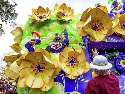 Photograph - Rex Mardi Gras Parade - Yellow And Purple by Steve Harrington