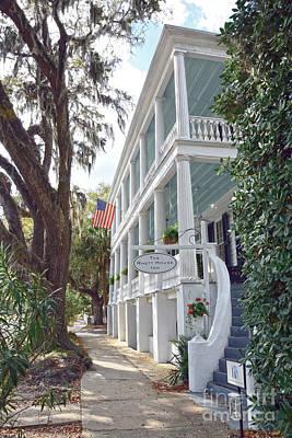 Photograph - Rhett House Inn In Beaufort by Catherine Sherman