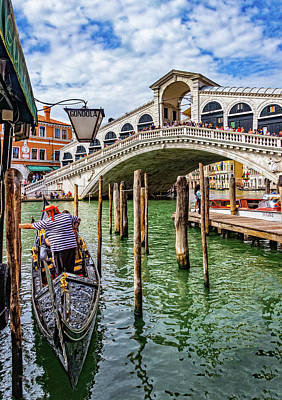 Photograph - Rialto Bridge In Venice by Carolyn Derstine