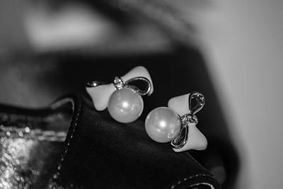 Photograph - Ribbon With Pearl Earrings In Black And White by Ester Rogers