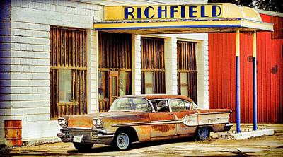 Photograph - Richfield Gas by Steve McKinzie