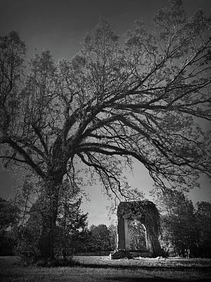 Photograph - Ridgeway School Doorway Arch In Black And White by Kelly Hazel