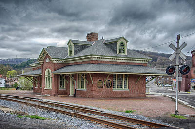 Photograph - Ridgway Station by Guy Whiteley