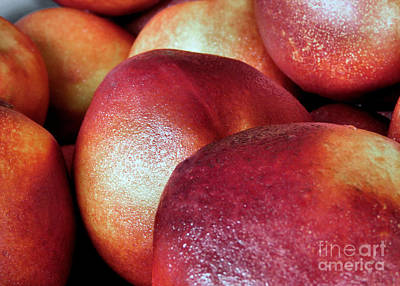 Photograph - Ripe Peaches by Janice Drew