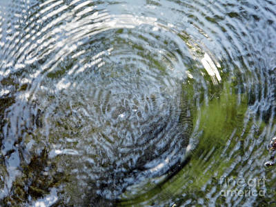 Photograph - Ripples In The Water by D Hackett