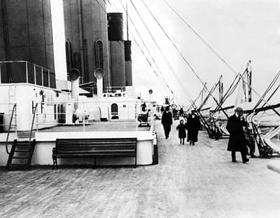 Ev-in Photograph - Rms Titanic, Which Sank After Hitting by Everett