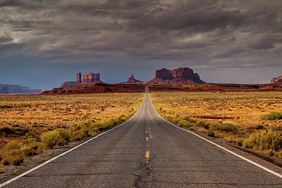 Photograph - Road To Monument Valley by Constance Reid