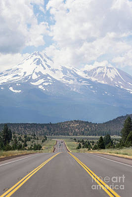 Photograph - Road To Mt Shasta California Dsc5056 by Wingsdomain Art and Photography