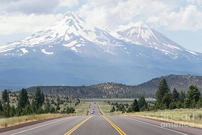 Photograph - Road To Mt Shasta California Dsc5057 by Wingsdomain Art and Photography