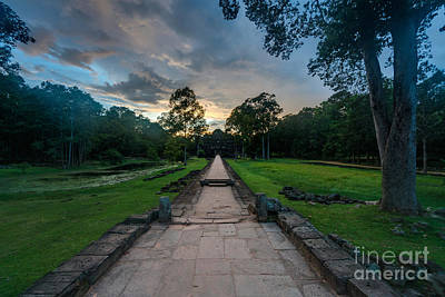 Street Vendors Photograph - Road To Preah Khan Sunset by Mike Reid
