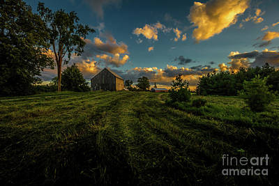Photograph - Roadside Barn by Roger Monahan