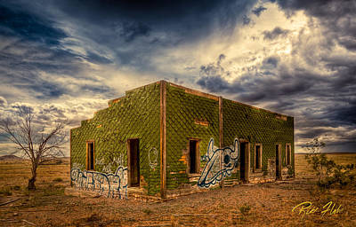 Photograph - Roadside Distraction by Rikk Flohr