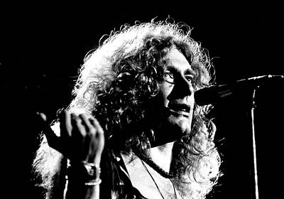Photograph - Robert Plant 1975 by Chris Walter