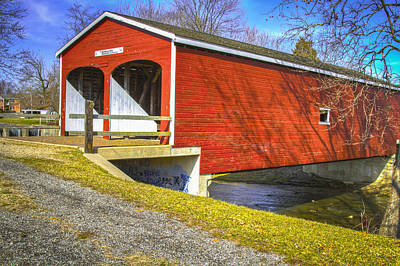Photograph - Roberts Covered Bridge by Jack R Perry