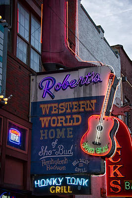 Ryman Photograph - Roberts Honky Tonk Grill by Mike Burgquist