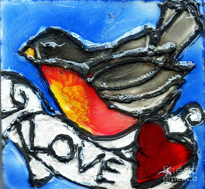 Robin Mixed Media - Robin With Heart by Genevieve Esson