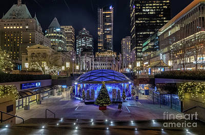 Vancouver At Night Photograph - Robson Square At Night by Victor Andre