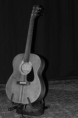 Robyn Hitchcock's Guitar Print by Lauri Novak