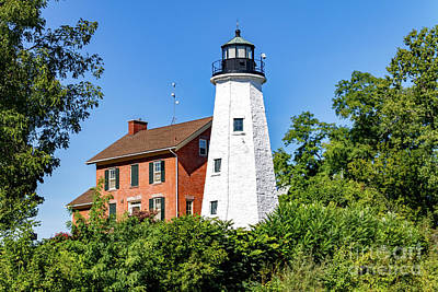 Photograph - Rochester Genesee Lighthouse by William Norton