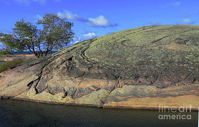 Rock Dome In Canadian Shield Art Print by Charline Xia