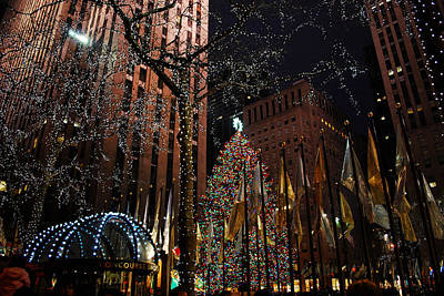Photograph - Rockafeller Center At Christmas by Amanda Vouglas