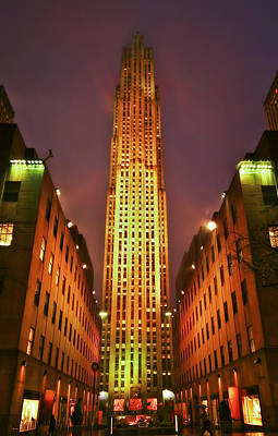 Rockefeller Center Print by Evelina Kremsdorf