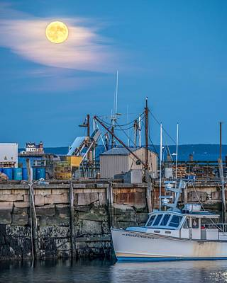 Penobscot Bay Photograph - Rockland Hunters Moon by Tim Sullivan