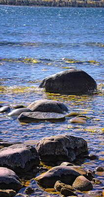 Photograph - Rocks In The Bay by Peg Runyan