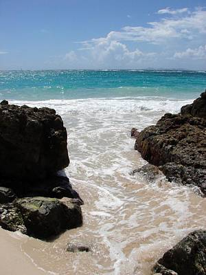 Print featuring the photograph Rocky Beach In The Caribbean by Margaret Bobb