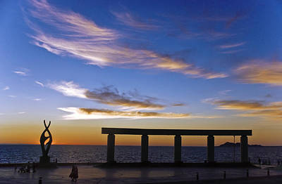 Puerto Photograph - Rocky Point Mexico Beach Statue by Dave Dilli