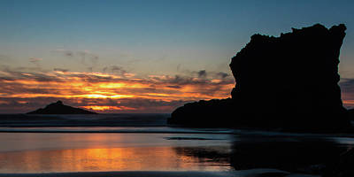 Photograph - Rocky Sunset Oregon by Jedediah Hohf